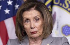 Ông Trump chế giễu 'bà đầm thép' Pelosi rụng răng