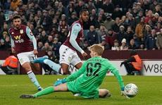 Chia quân đá cúp, Liverpool thua trận kinh hoàng ở Villa Park