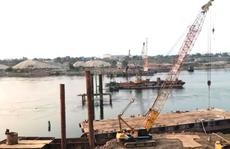 4 người rơi xuống sông Đà khi thi công cầu Hòa Bình, 1 người tử nạn
