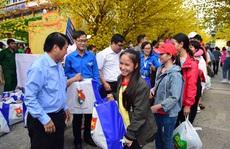Hỗ trợ 2.000 công nhân về quê ăn Tết