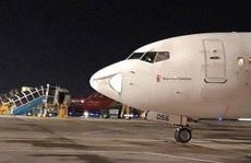 Đang hạ cánh xuống Nội Bài, máy bay suýt va phải 'vật thể lạ'