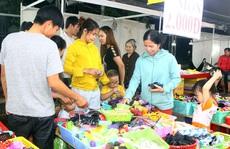 Ấm áp 'Ngày hội công nhân - Phiên chợ nghĩa tình'