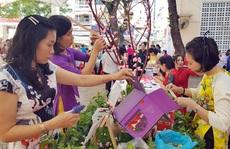 VUI, BUỒN THƯỞNG TẾT: Mang Tết vui đến với công nhân