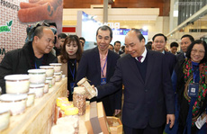 Thủ tướng đề nghị doanh nghiệp nói thẳng về tình trạng 'bị dọa nạt'