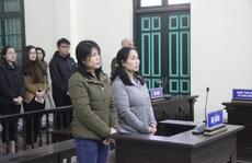 CLIP: Hoãn tòa xử vụ cựu thượng úy công an bày kế tống người vào tù bằng ma tuý để nhận 1 tỉ đồng