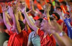 CĐV Việt Nam vỡ oà sau trận thắng thứ 4 liên tiếp của U22 Việt Nam
