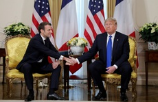 Hai ông Trump và Macron 'đốp chát' chưa từng có về NATO