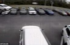 Ô tô mất lái bay vèo 42 m qua đầu hàng chục xe khác