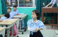 'Ăn lương tháng' thì lãnh đạo sở chọn sách nào?: Giáo viên chọn sách giáo khoa theo... định hướng