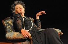 Nữ diễn viên tuổi nghề già nhất thế giới qua đời