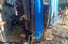Tại nạn giao thông nghiêm trọng ở Long An, ít nhất 13 người thương vong