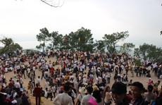 Hàng vạn người náo nức đổ về 'Hoan Châu đệ nhất danh lam' trẩy hội đầu năm