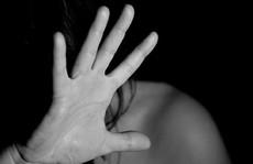 Ấn Độ: Cô gái bị tố... cưỡng hiếp phụ nữ 25 tuổi