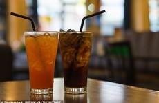Uống 2 lon nước ngọt ăn kiêng/ngày: Coi chừng chết sớm!