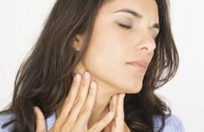 Những biến chứng nguy hiểm của viêm họng khi giao mùa