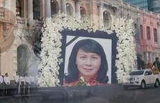 [Video] - Xúc động tiễn đưa Phó Chủ tịch UBND TP HCM Nguyễn Thị Thu về nơi an nghỉ cuối cùng