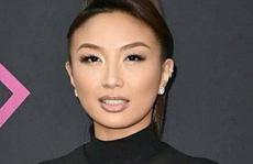 MC gốc Việt dẫn chương trình hậu trường thảm đỏ Oscar 2019