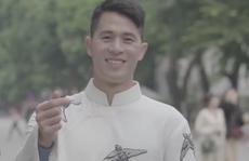 Các tuyển thủ Việt Nam lần đầu xuất hiện trong MV của ca sĩ hai miền Nam - Bắc