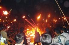 Độc đáo tục 'xin' lửa đêm giao thừa ở ngôi làng cổ gần 400 năm