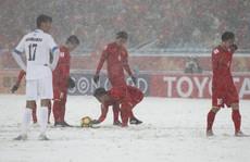 Cầu thủ Việt Nam nhìn giải Fair-Play để noi gương
