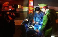 Đà Nẵng: Bị nhắc nhở, 2 nam thanh niên dùng gạch tấn công lực lượng 911