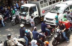 [VIDEO] - Giành đường đánh nhau náo loạn trung tâm TP HCM