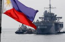 Mỹ điều cả tàu chiến lẫn B-52 qua biển Đông