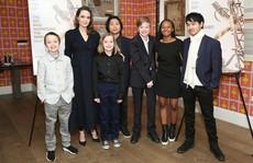 6 nhóc tì nhà Angelina Jolie càng lớn càng sành điệu
