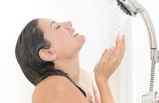 5 lợi ích bất ngờ của việc tắm nước lạnh mỗi ngày