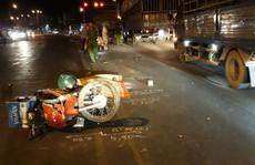 Xe máy đụng xe ben, 1 sĩ quan quân đội tử nạn