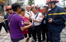 Giải cứu 5 khách Trung Quốc mắc kẹt trong vụ cháy khách sạn Helen ở Hạ Long
