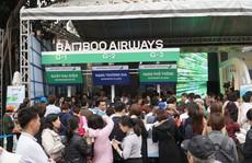 Xếp hàng 'săn' vé máy bay và combo du lịch trọn gói của Bamboo Airways