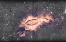 Bí ẩn 'dấu ấn tối' và 'xoáy ánh sáng' trên mặt trăng