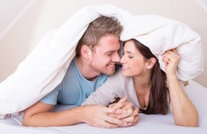 'Chuyện ấy' của đôi vợ chồng trẻ sau sinh thế nào cho ổn?