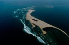 Quảng Nam cấm đưa người lên 'đảo khủng long' ở Hội An