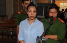 Cựu nhà báo 'vòi' tiền doanh nghiệp cấp cứu, phiên toà tạm hoãn