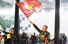Huyền thoại David Coulthard và đội đua F1  mang gì đến trình diễn tại Việt Nam?