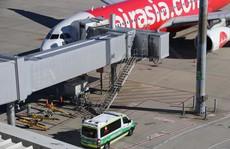 Bé 2 tháng tuổi tử vong trên máy bay AirAsia