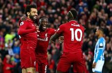 3 'cú đúp' gây sốc đưa Liverpool lên ngôi đầu giải Ngoại hạng Anh