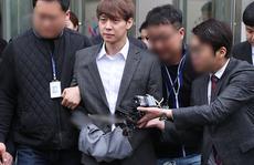 Sao 'Hoàng tử gác mái' nhận tội sử dụng ma túy, luật sư từ chức
