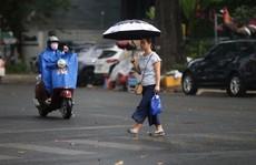 TP HCM xuất hiện mưa 'vàng' giải nhiệt