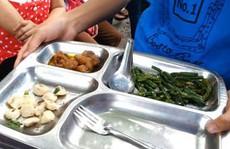 Làm thế nào nấu một bữa ăn cho 6 công nhân với 75.000 đồng?