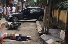 Nữ tài xế xe Camry lùi xe tông chết người phụ nữ đi xe máy