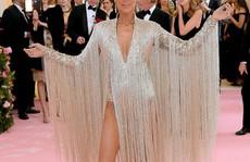 Danh ca Celine Dion chia sẻ bí quyết tự tin với mặt mộc