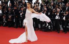 Dàn sao nữ diện đầm xẻ táo bạo tại Cannes 2019
