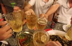 Luật Phòng chống tác hại rượu bia: 'Chân nọ xọ chân kia'