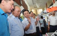 Thủ tướng gặp gỡ công nhân lao động kỹ thuật cao: 43 kiến nghị rất 'nặng ký'!