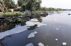 Nước thải tuôn ào ạt ra công viên lớn nhất Đà Nẵng giữa ban ngày