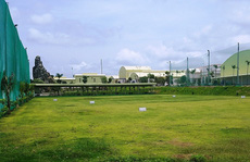 Thuê đất làm nhà máy trong khu công nghiệp lại xây sân golf trái phép