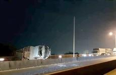 Cầu Phú Mỹ 'tê liệt' gần như thâu đêm